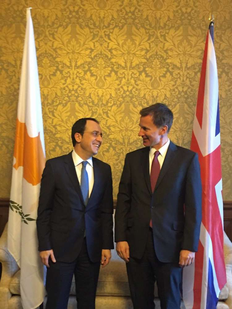 Cyprus and UK Foreign Ministers discuss Cyprus talks and Brexit