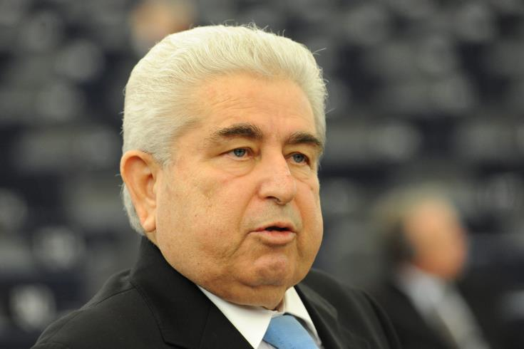 Christofias back on mechanical ventilation