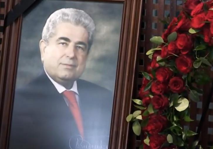 Attempt to desecrate Christofias' grave slammed