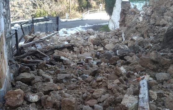 Mud brick house collapses in Aradippou