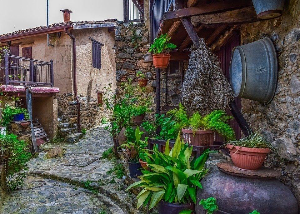 Kakopetria village: picturesque landscape and tranquillity