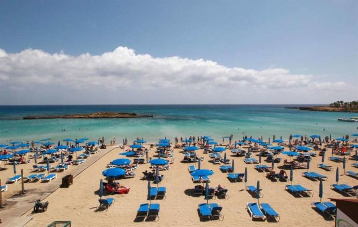 Tourist arrivals drop 3.5% in May