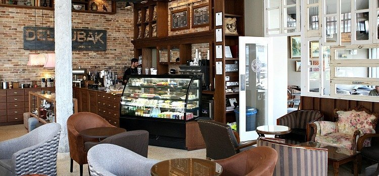 Deloubak Espresso Cuisine Co