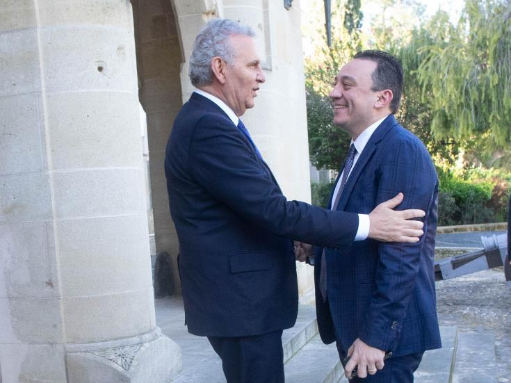 Cyprus and Greece to strengthen cooperation on diaspora