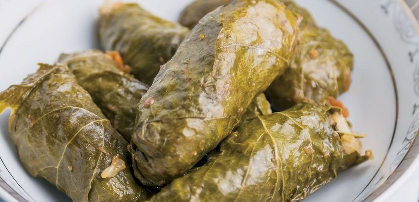 Stuffed vine leaves without meat