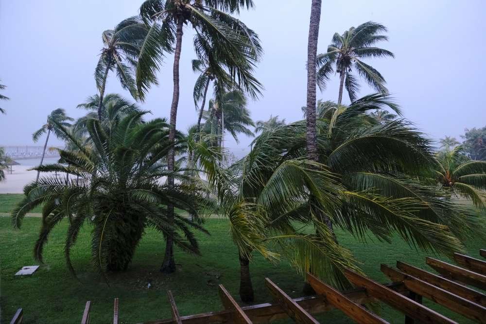 Hurricane Dorian: stalled over Bahamas