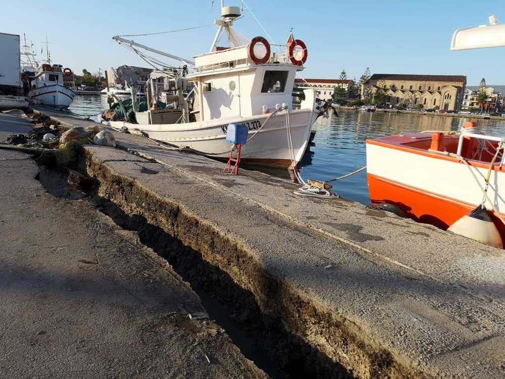 Powerful quake shakes western Greece