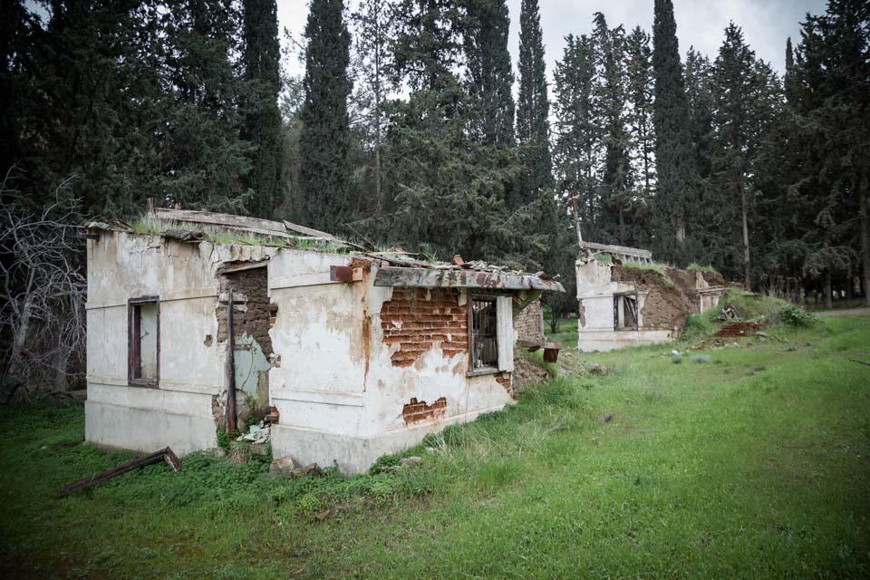 Exinta Spitia (Sixty Houses Settlement) in Skouriotissa