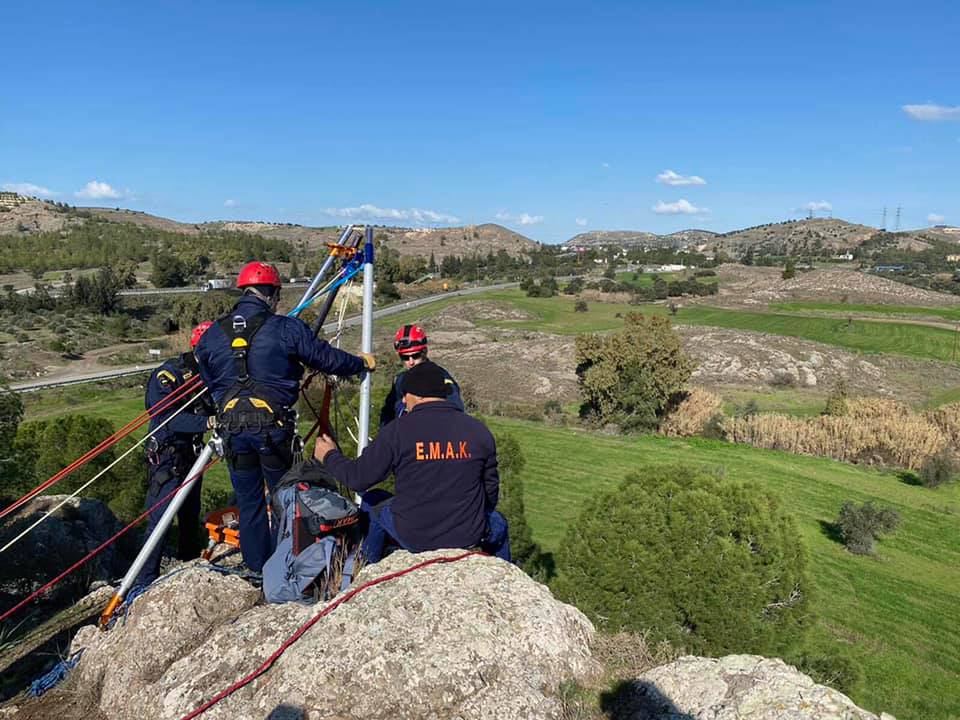 Rescue operation after man fell down cliff near Pera Pedi
