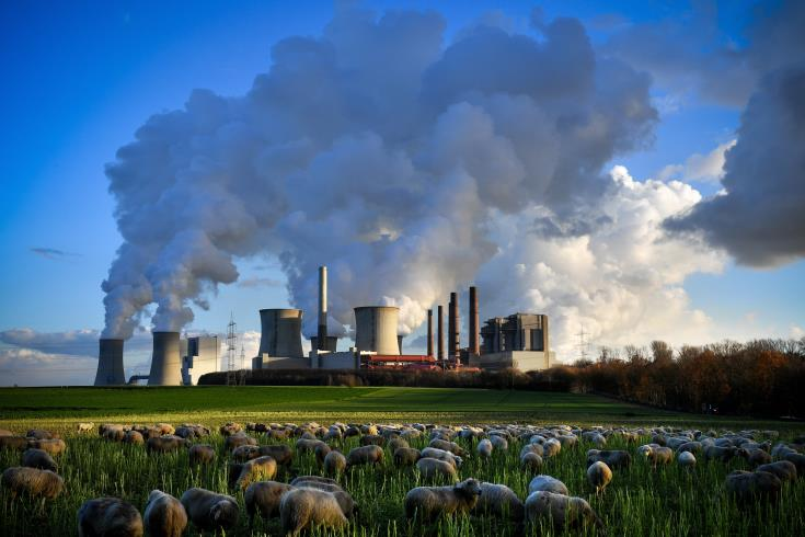 Emissions need to be halved to avoid 3C warming -scientists