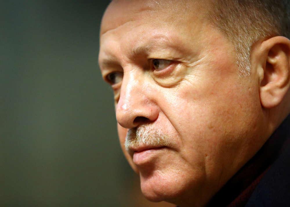 Erdogan to seek more EU help for refugees stuck in Turkey