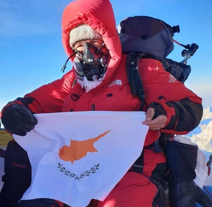 Cypriot flag raised at the top of Everest (photos)