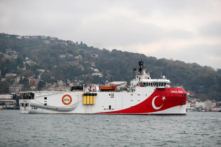 "Turkey's ""Fatih"" drillship left without support after international companies withdraw"