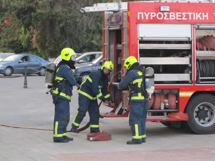 Police probe arson of warehouse in Larnaca district
