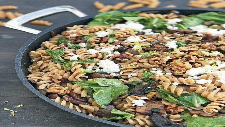 Wholewheat fusilli with mushrooms