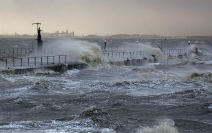 Met office issues coastal waters warning for Tuesday