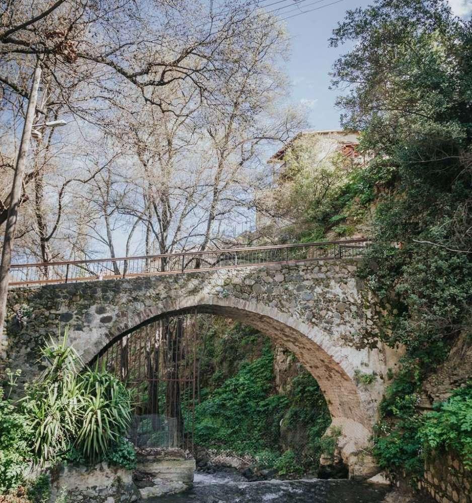 Gefyri Mylou Gonias (The Corner Mill Bridge)