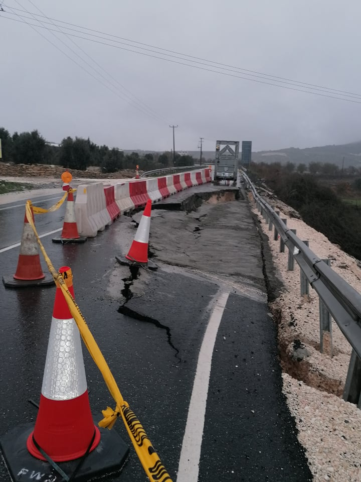 UPDATE - Paphos-Chrysochous road near Yiolou collapses (photos)
