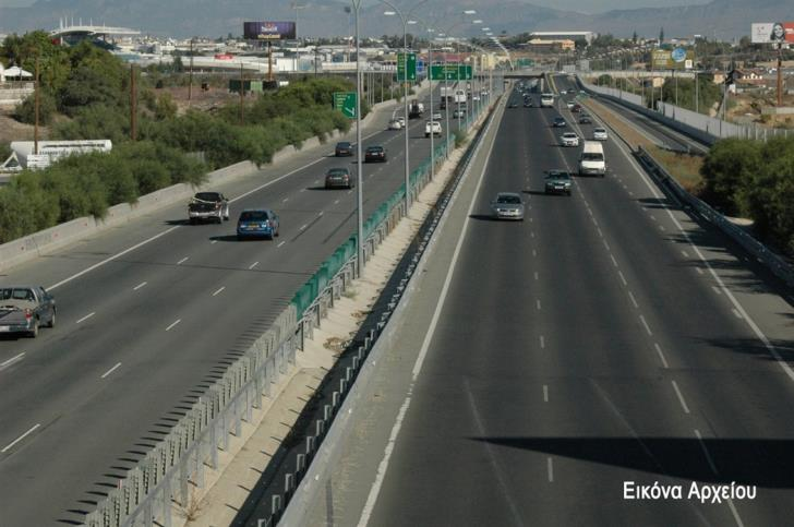 Update: Heavy rain on Nicosia -Limassol highway; one lane closed
