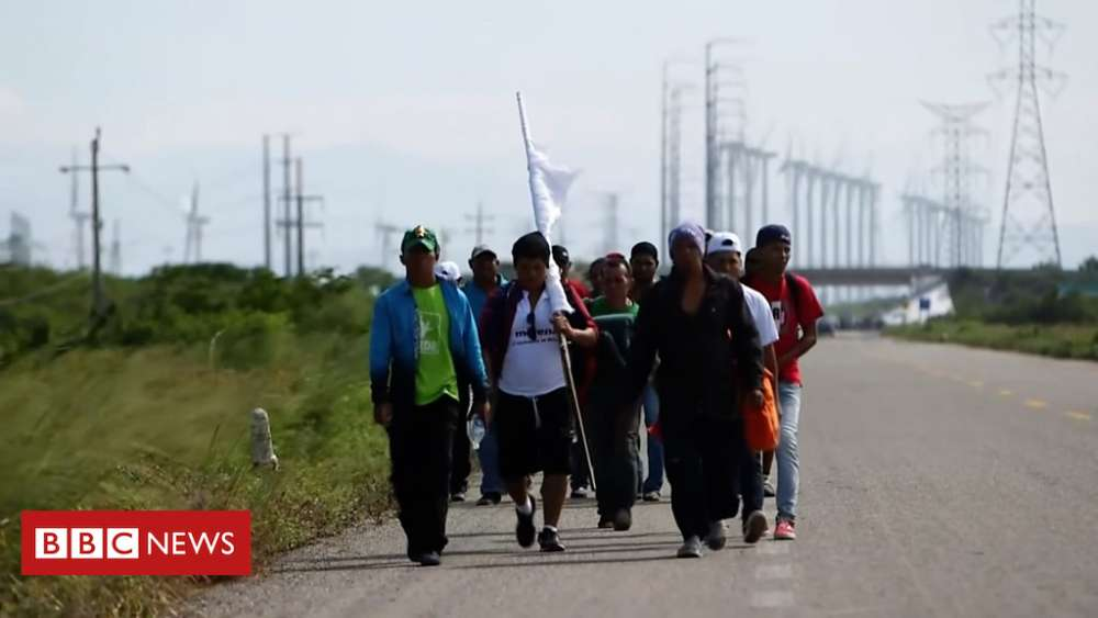 Disabled man walking from Honduras to US (video)