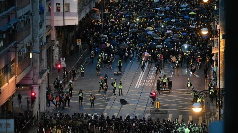 Protesters gather in Hong Kong as rival rally supports police