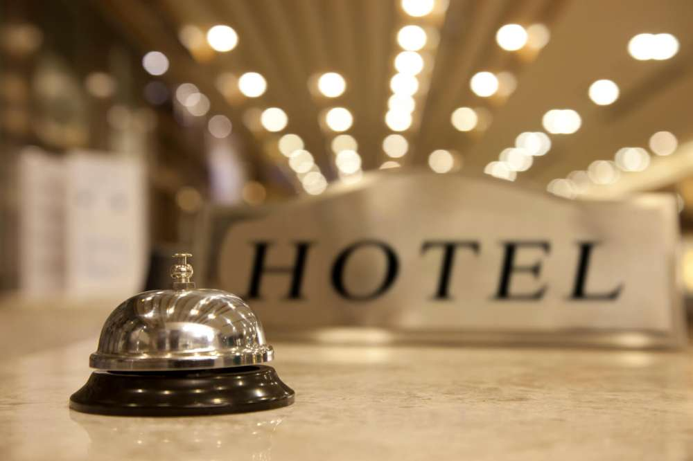Cabinet approves minimum wage decree for 17 hotel sector professions