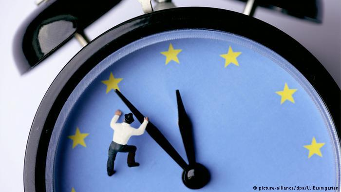 EU seeks to stop seasonal clock changes in 2019