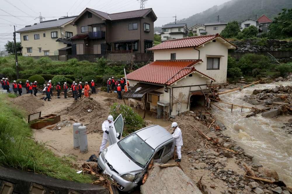 'Unprecedented' rain strands at least 1