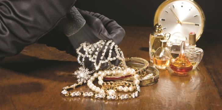 Limassol: Burglars steal jewellery