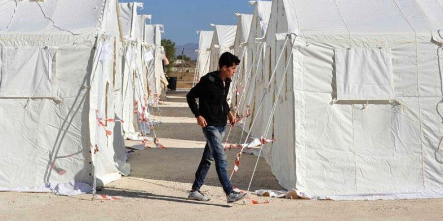 Seven Syrian irregular migrants cross over from Turkish-held north