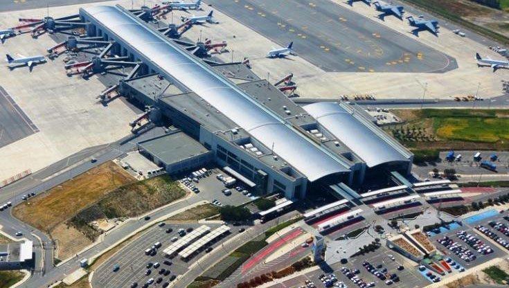 Israeli plane makes unscheduled landing at Larnaca for ill passenger