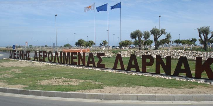 Drunk driver arrested after crashing into Larnaca Airport roundabout sign