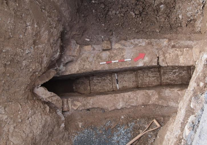 Sewerage construction unearths vast necropolis under Larnaca (photos)
