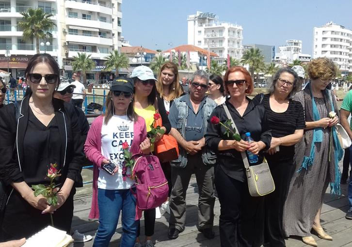 Larnaca vigil for murder victims (photos)