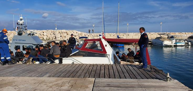 UPDATE - Polis Chrysochous: Boat carrying migrants intercepted by coast guard