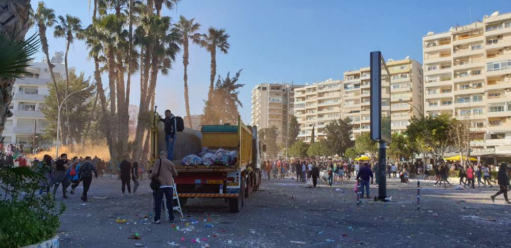 FoE (Cyprus) in recycling drive after Limassol's Carnival parade (photos+video)