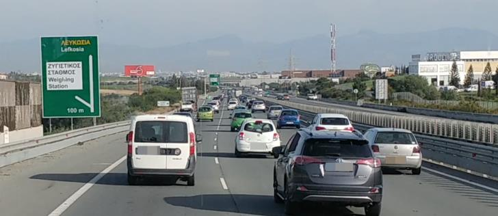 Traffic congestion on Nicosia-Limassol highway due to weather conditions