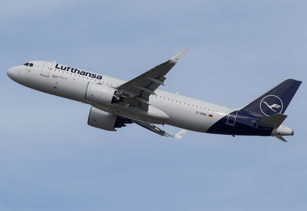 German cabin crew union threatens Lufthansa strikes after