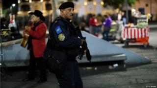 'Mariachi' gunmen kill three in Mexico City