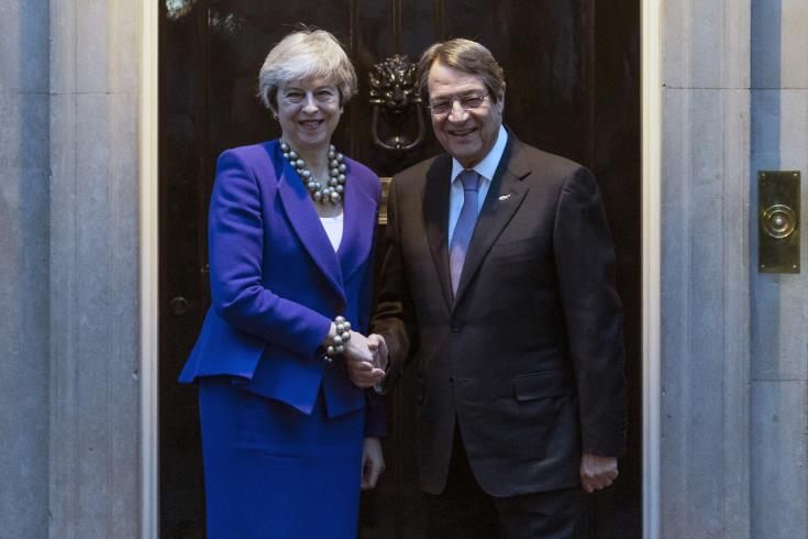 British PM hopes that progress will be made towards resumption of Cyprus talks