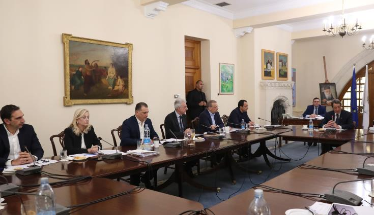 Coronavirus: Calls for tougher measures as president chairs new meeting