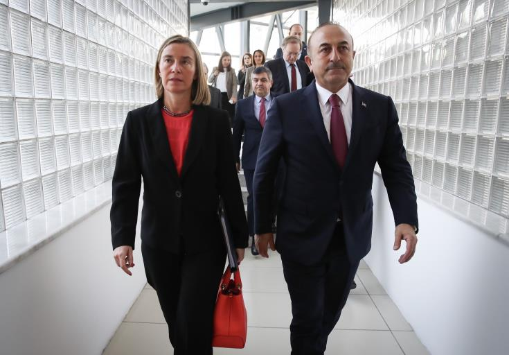 Mogherini expresses solidarity to Cavusoglu over coup anniversary