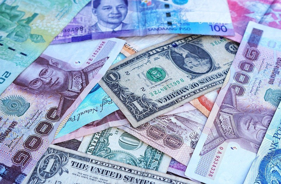 Police urge public to be careful with transactions in foreign currency