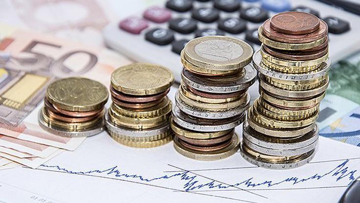 Total deposits increase by €796m in July