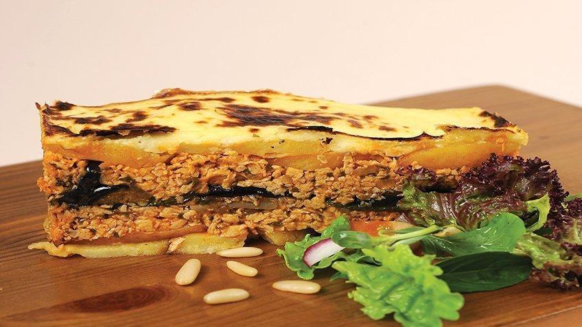 Veggie moussaka with soya mince