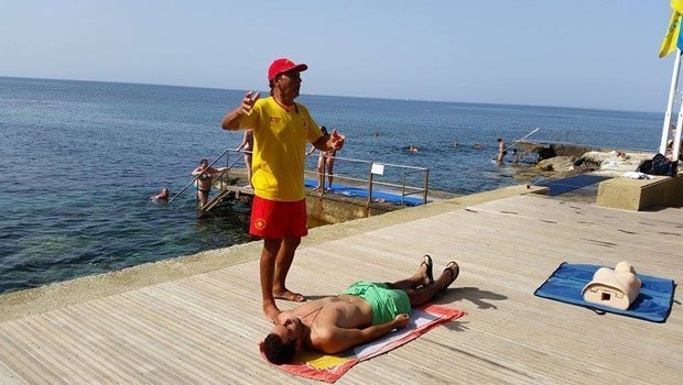 Paphos district officer: 122 lifeguards on island's beaches this summer