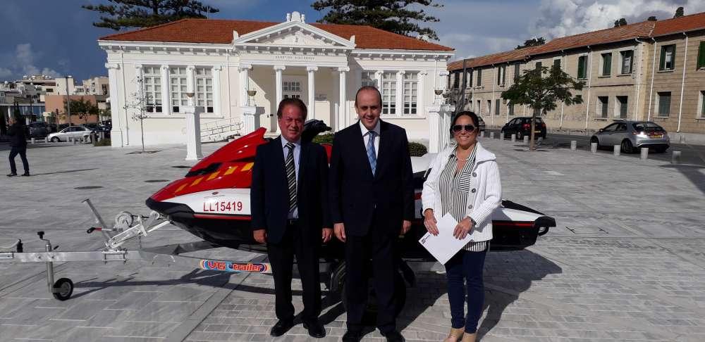 Jet ski to boost Paphos lifeguards