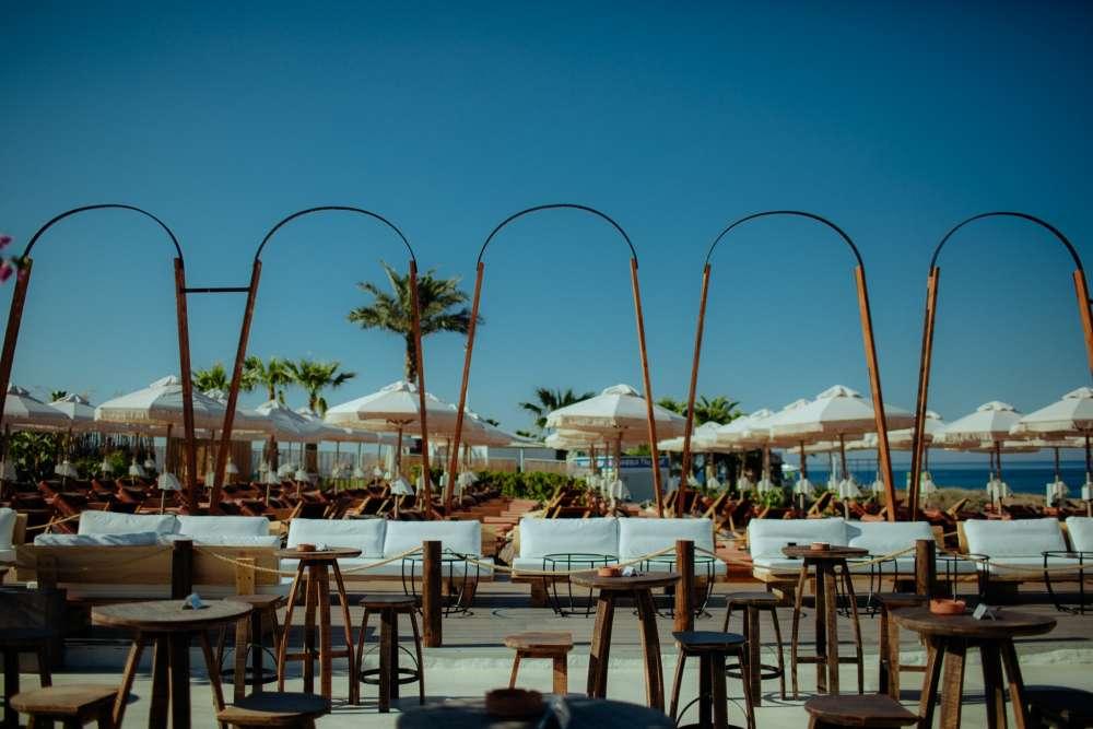 Nava seaside lounge and restaurant