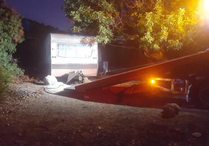 New Chorio dismantles illegal camping site near Aphrodite's Baths (photos)