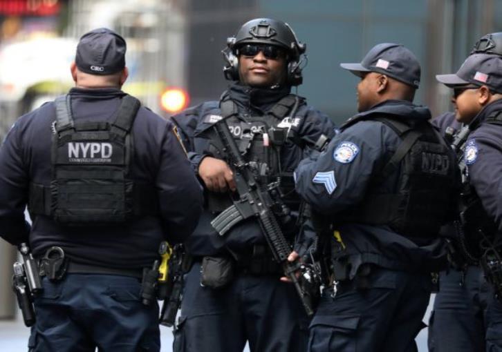 Democrats tie Trump's rhetoric to spate of suspected bombs
